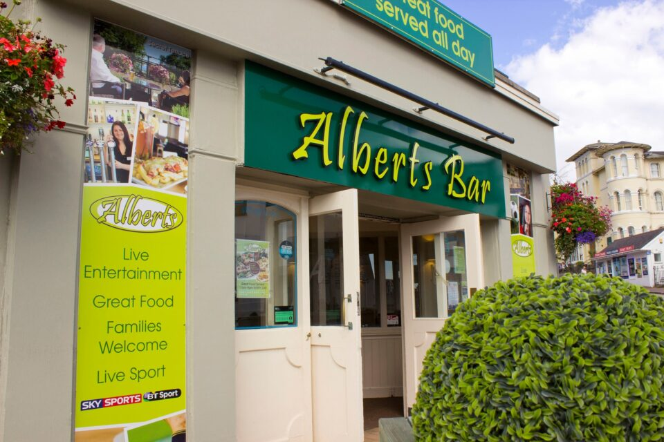 Alberts Bar, Torquay