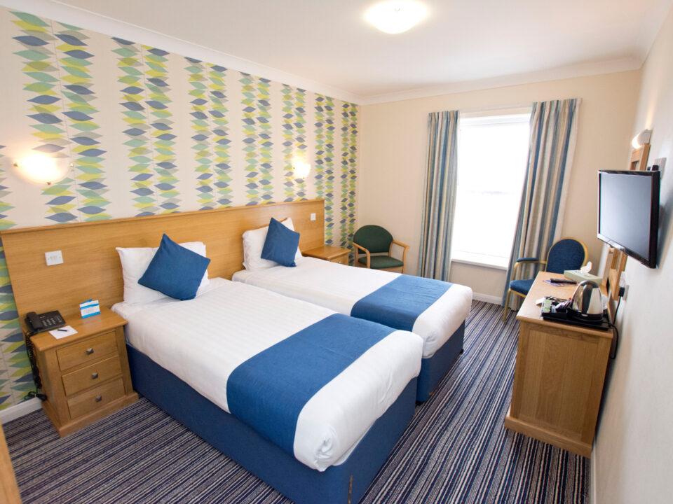 TLH Carlton Hotel, Torquay Twin Bedroom