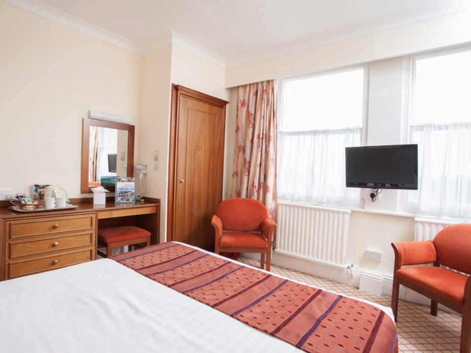 TLH Toorak Hotel Double Bedroom