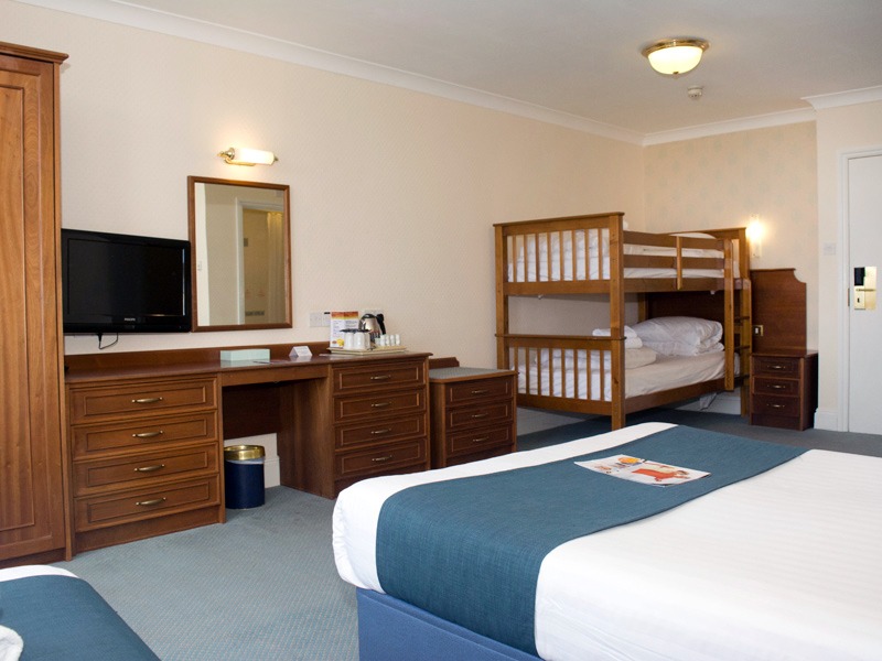 TLH Victoria Hotel, Torquay, Family Room for 5 People