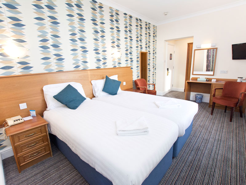 TLH Victoria Hotel, Torquay, Twin Bedroom