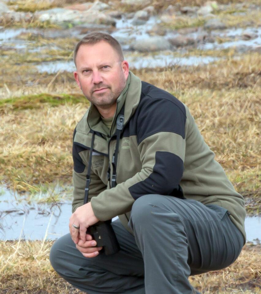Ashley Grove, Experience Nature birdwatching breaks, Devon