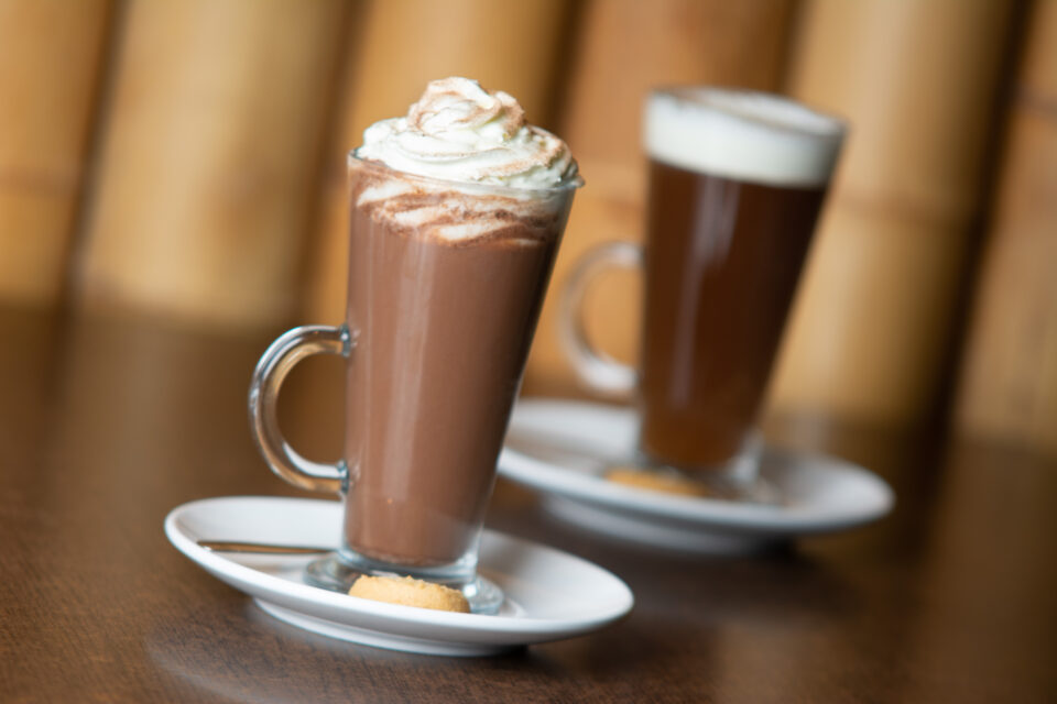 Hot drinks at the Aztec Bistro, Torquay