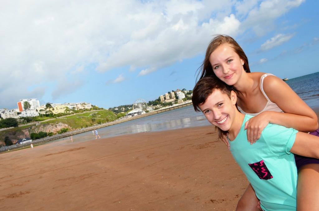 Torre_Abbey_Sands_beach_CZGLF_0113