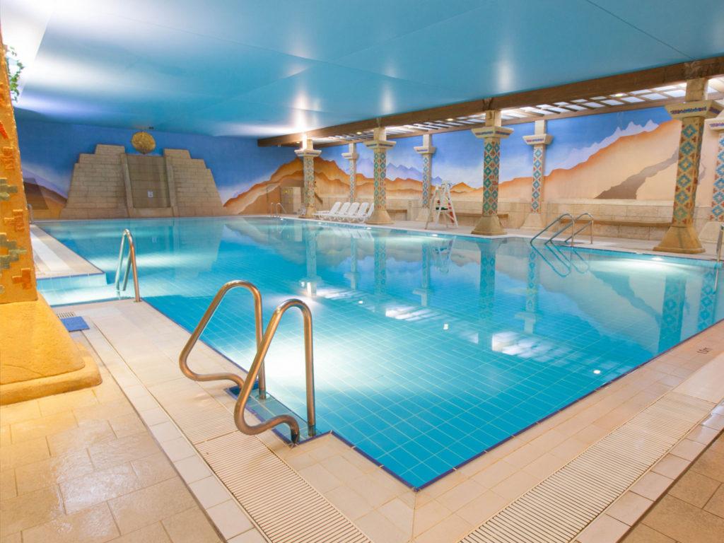 Aztec Leisure - Indoor pool in Torquay