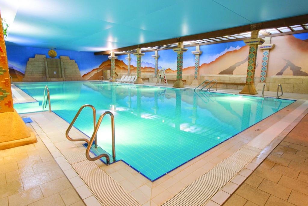 Aztec 25m Indoor Pool