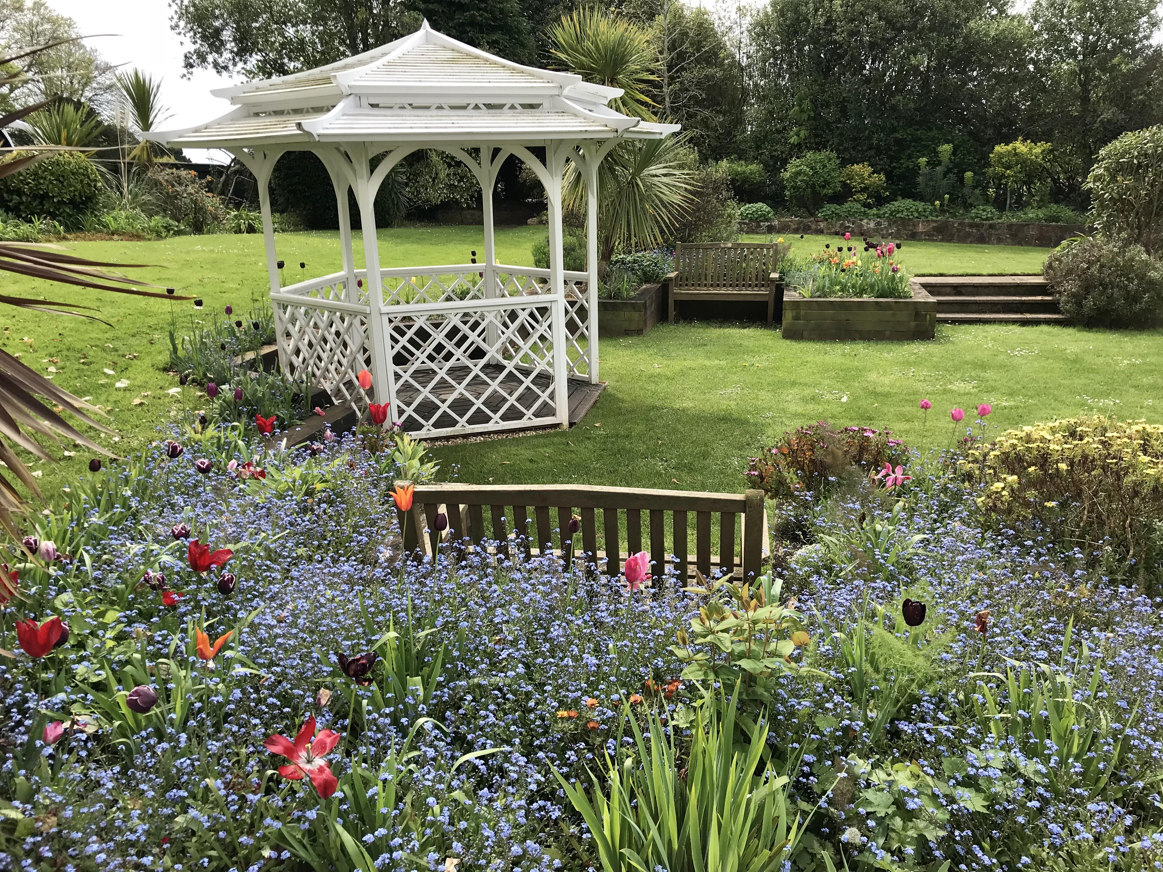 Toorak Hotel Gardens